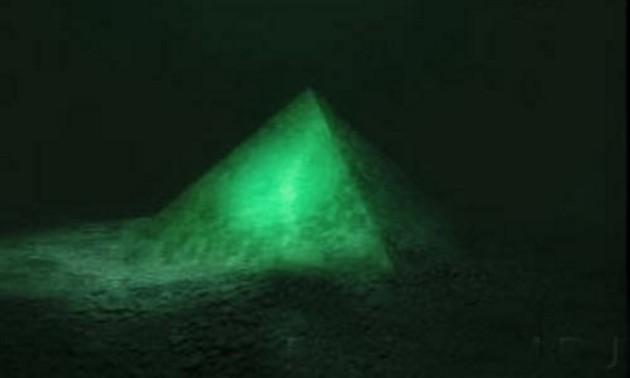 piramide-bermuda-2.jpg